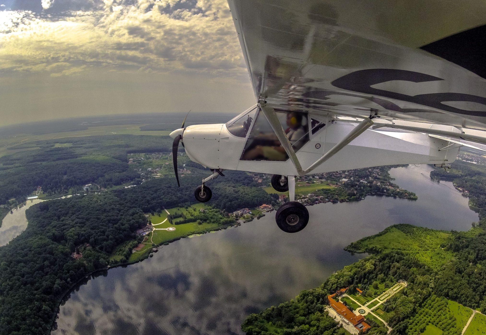 zbor cadou cu avionul